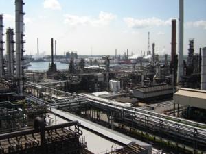 Refinería de Total realizada por SNC Lavalin con elec calc